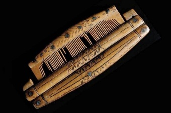 Viking Anglo-Saxon comb with protective case