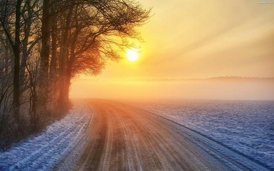 drzewa-zima-zachod-slonca-droga-zakret-1.jpeg